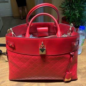 Women's hand bag RED . very New Micheal Kors!!!